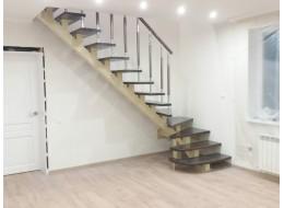 Лестница на монокосоуре Кармин