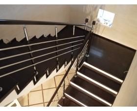 Отделка бетонной лестницы обл. 02