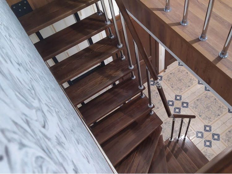Профильная лестница Линди